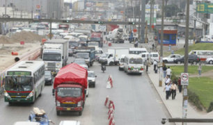Ministerio de Transportes pide a Jorge Muñoz evaluar 'Pico y placa' para camiones