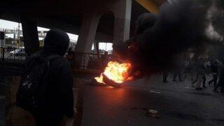 Alumnos de la UNMSM bloquean avenida Venezuela en rechazo a obras del bypass