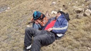 Niño caminó dos horas durante la madrugada en busca de  ayuda para su padre accidentado