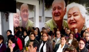 Surco: 1000 adultos mayores se presentaron para postular por un puesto de trabajo