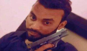 Hombre mata a su amigo a cuchilladas y se hace un selfie con él