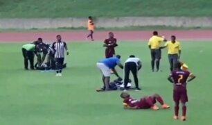 Jamaica: rayo alcanza a cuatro futbolistas en pleno partido