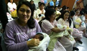 Recomiendan ampliar licencia de maternidad de 3 a 6 meses en Perú