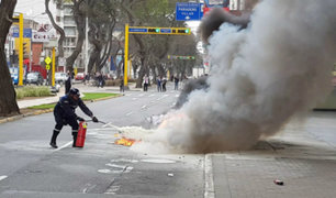 [VIDEO] Motocicleta de Serenazgo se incendió en plena avenida Arequipa