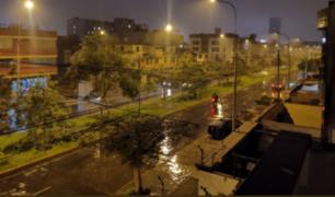 Inusual intensidad de lluvias cayó sobre Lima la noche del viernes
