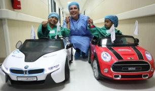 Niños van en auto de juguete al quirófano en hospitales de EsSalud