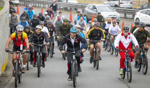 Presidente Vizcarra participó en bicicleteada por el Día de las Fuerzas Armadas