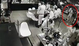 México: al menos cuatro muertos tras feroz balacera en bar