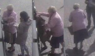 Inglaterra: anciana se defiende de mujer que trataba de robarle su dinero en cajero automático
