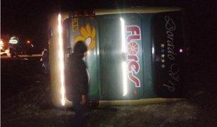 Arequipa: bus interprovincial se despistó con cerca de 38 pasajeros
