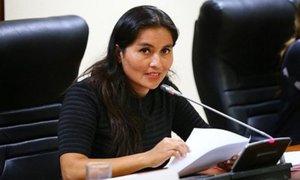 Fiscalía abre investigación a congresista Marita Herrera por tráfico de influencias