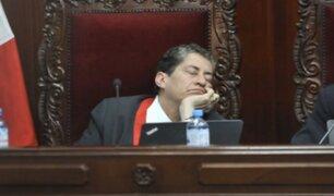 Magistrado del TC se durmió en plena audiencia de Keiko Fujimori