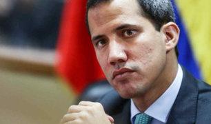 Venezuela: ordenan bloquear transacciones financieras con Juan Guaidó