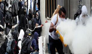 Colombia: estudiantes se enfrentan a policías en marchan contra corrupción