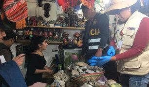 Recuperan bienes culturales que se vendían en un mercado del Cusco
