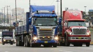 Conductores de carga pesada anuncian paro de transporte contra sistema 'Pico y Placa'