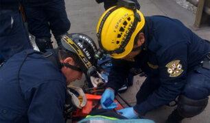 Serenos rescataron a anciana recicladora que había quedado atrapada en río Rímac