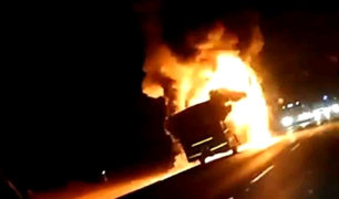 Ica: bus interprovincial se incendia en la Panamericana Sur