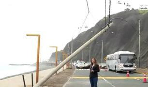 Costa Verde: poste de luz a punto de caer tras ser impactado por vehículo