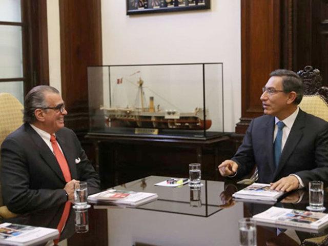 Martín Vizcarra y  Pedro Olaechea dialogaron en  Palacio de Gobierno