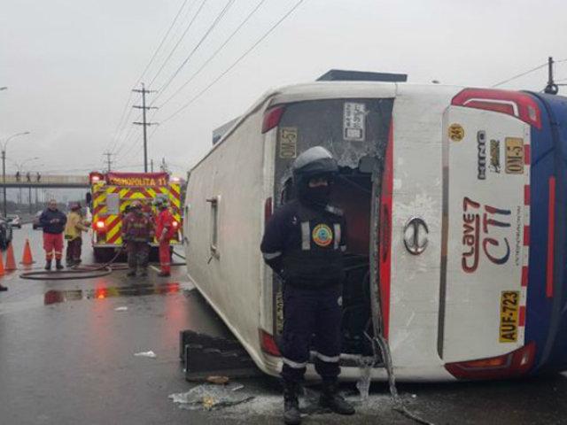 San Luis: al menos 13 heridos tras volcadura de bus en avenida Circunvalación