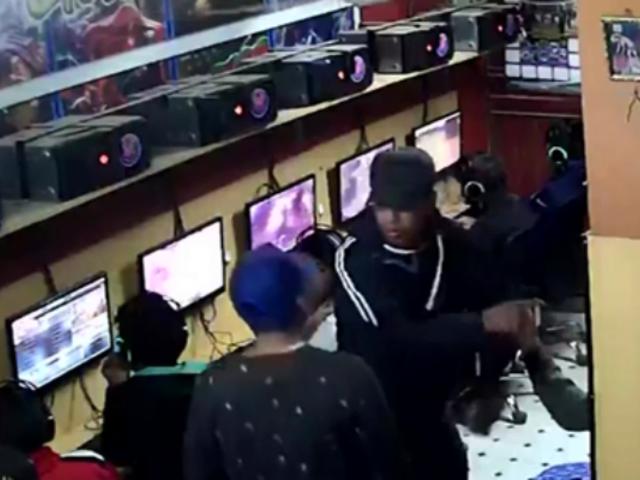 Puno: captan asalto en cabina de Internet en Juliaca