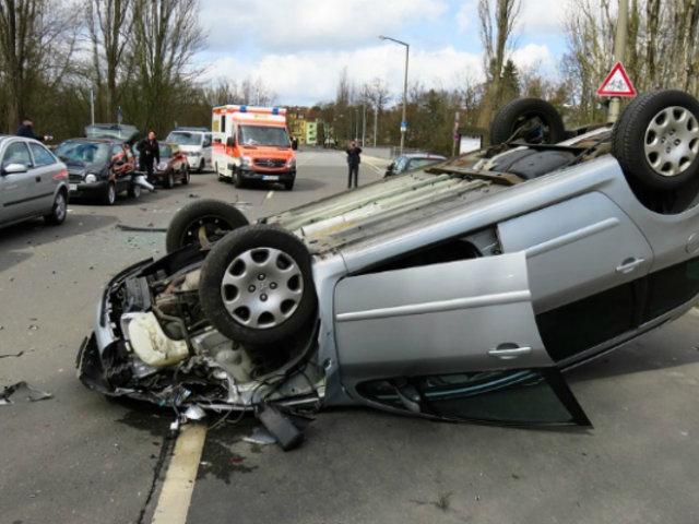 Rusia: escolar resulta grave tras ser impactada por auto