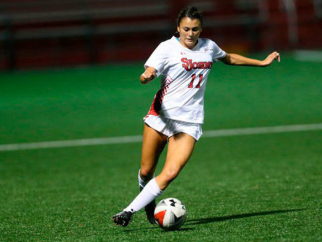 Joven de 22 años es la primera peruana en jugar Champions League femenina