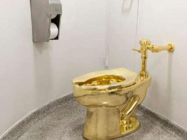 Roban inodoro de oro de una histórica mansión del Reino Unido