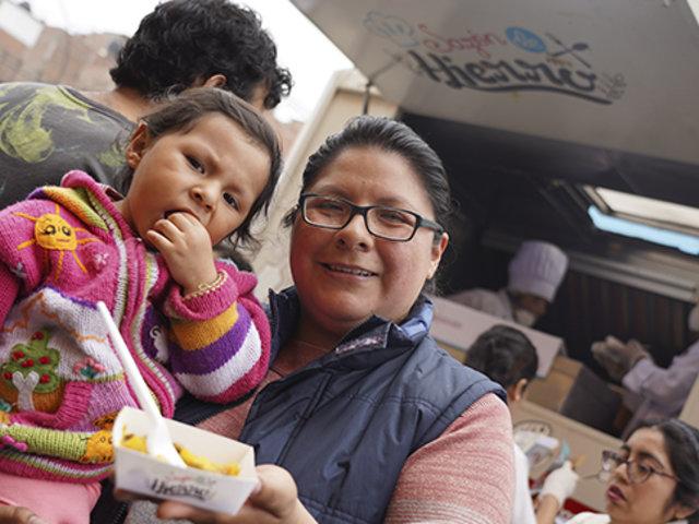 Reparten comida nutritiva para evitar anemia en niños de bajos recursos