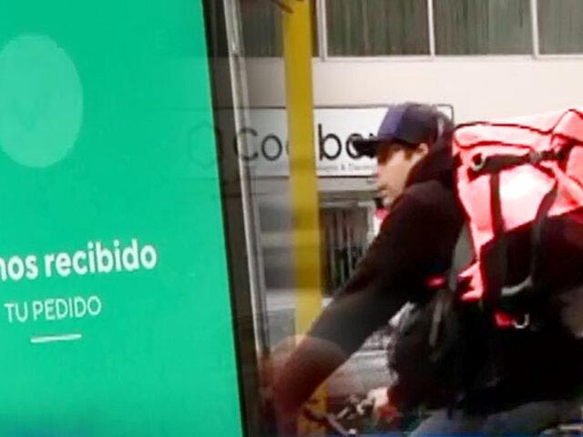 Descontrol 'delivery': entregan licor a niños y trasladan armas