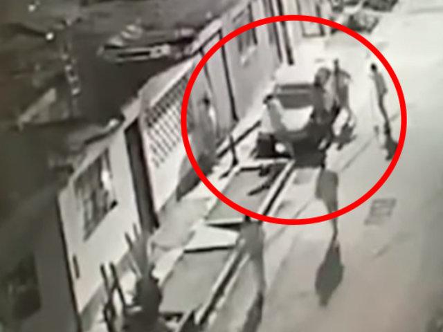El Agustino: vecinos atrapan a ladrón, lo golpean y luego lo entregan a la Policía