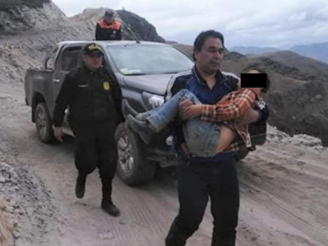 Áncash: condecorarán a niño que caminó dos horas para salvar a su padre