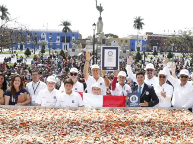 Trujillo batió Récord Guinness de la ensalada de alcachofa más grande del mundo