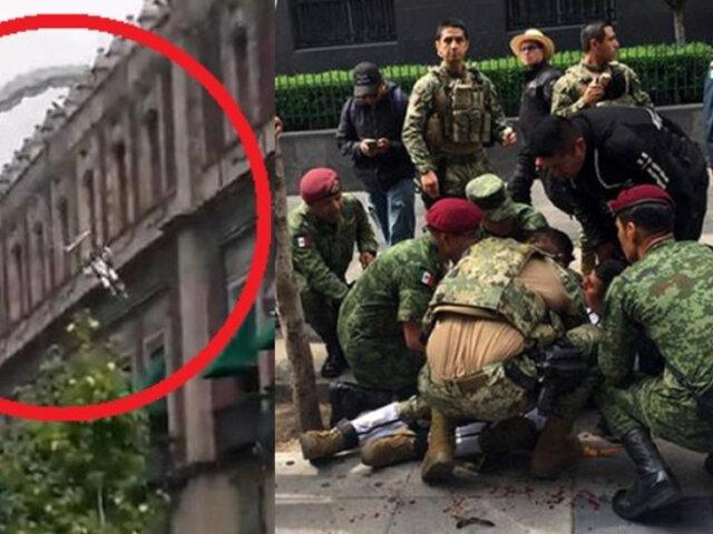 México: paracaidista se estrelló contra pavimento durante desfile de la Independencia