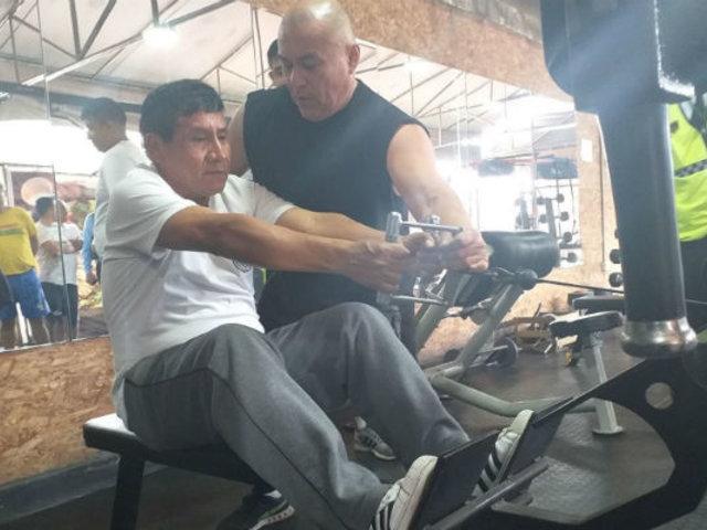 Surco: así entrenan los serenos con 'el hombre más fuerte del Perú'