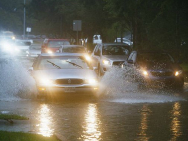 EEUU: depresión tropical Imelda azota varias localidades de Texas