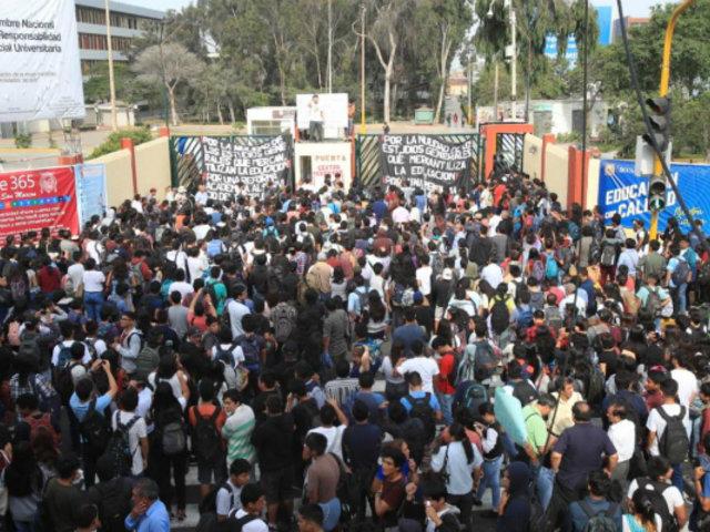 Oposición a obras viales: estudiantes permanecen en la universidad San Marcos