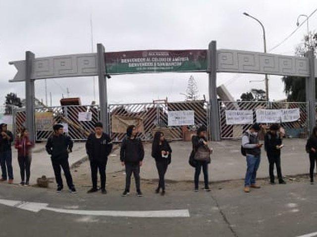 Rector de la UNMSM pide a la PNP suspender intervención en campus tomado por estudiantes