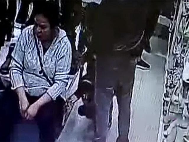 Mall del sur: ladrones roban celular a mujer en centro comercial