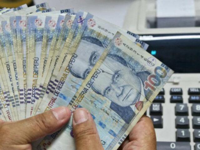 ¿Qué funcionarios tienen los mejores sueldos en el país?