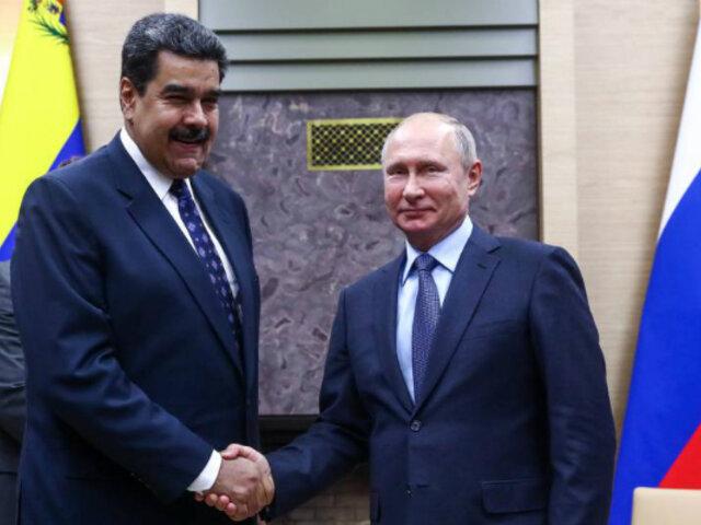 Putin insta a un diálogo entre Gobierno y oposición en Venezuela