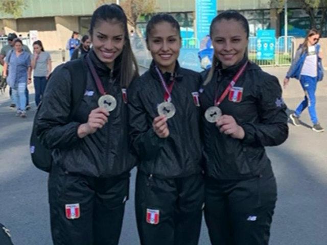Equipo femenino de karate ganó medalla de oro en Chile
