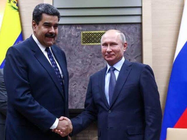 Maduro llegó a Rusia para reunirse con Putín tras nuevas sanciones de EEUU