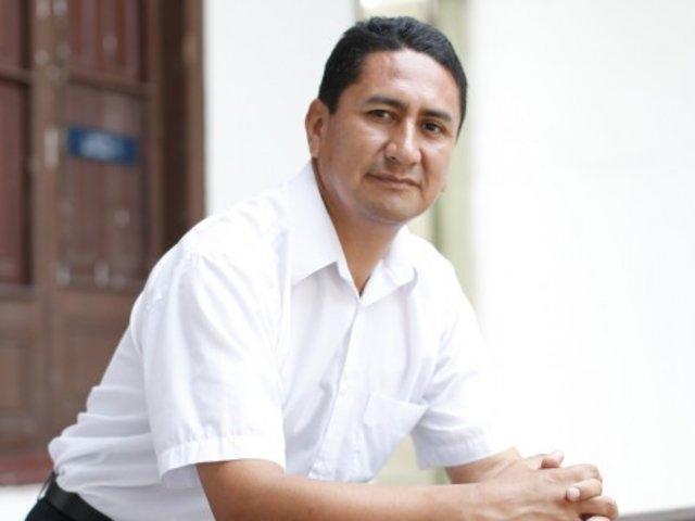 Huancayo: detienen a Vladimir Cerrón y sus militantes por incumplir cuarentena