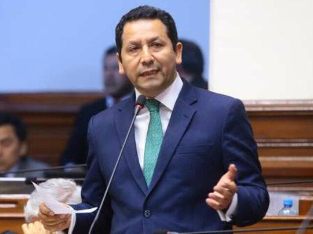 Empresas vinculadas a Clemente Flores habrían ganado millones con el Estado