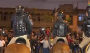 Avenida Abancay, un escenario violento entre fuerzas policiales y una ciudadanía en desvelo