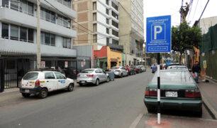 Miraflores implementa estacionamientos rotativos para regular permanencia de autos