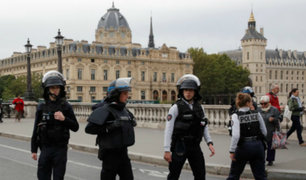 Francia: al menos cuatro policías muertos en ataque con cuchillo en París