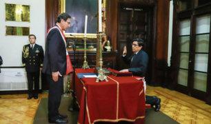 Martín Vizcarra toma juramento a Gabinete presidido por Vicente Zeballos